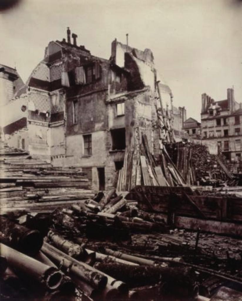 Eugène Atget, Rue de la Parcheminerie, après la démolition, Paris (Vème arrondissement), 15 août 1913. Paris, musée Carnavalet. Crédit :  © Eugène Atget/Musée Carnavalet/Roger-Viollet