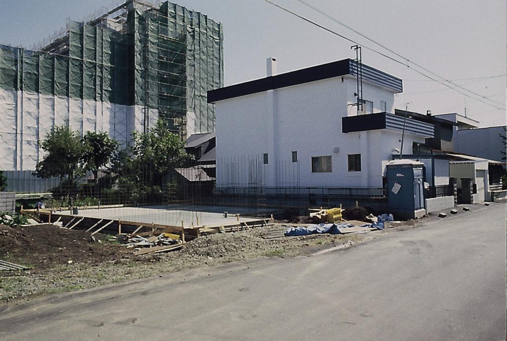 Chantier de construction, Sapporo, Japon, 1991, ©Philippe Bonnin
