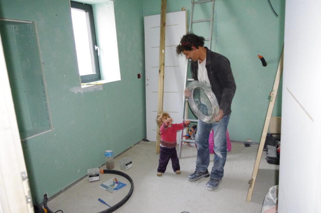 Vaucluse, chantier maison (2010-2012). Hublot ou Papa ? Habitant