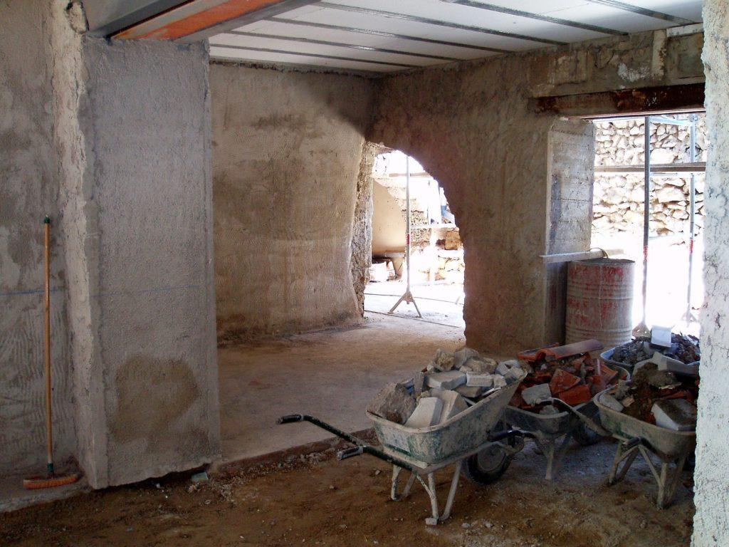 Vaucluse, chantier maison (2010-2012), no man's land. Habitant