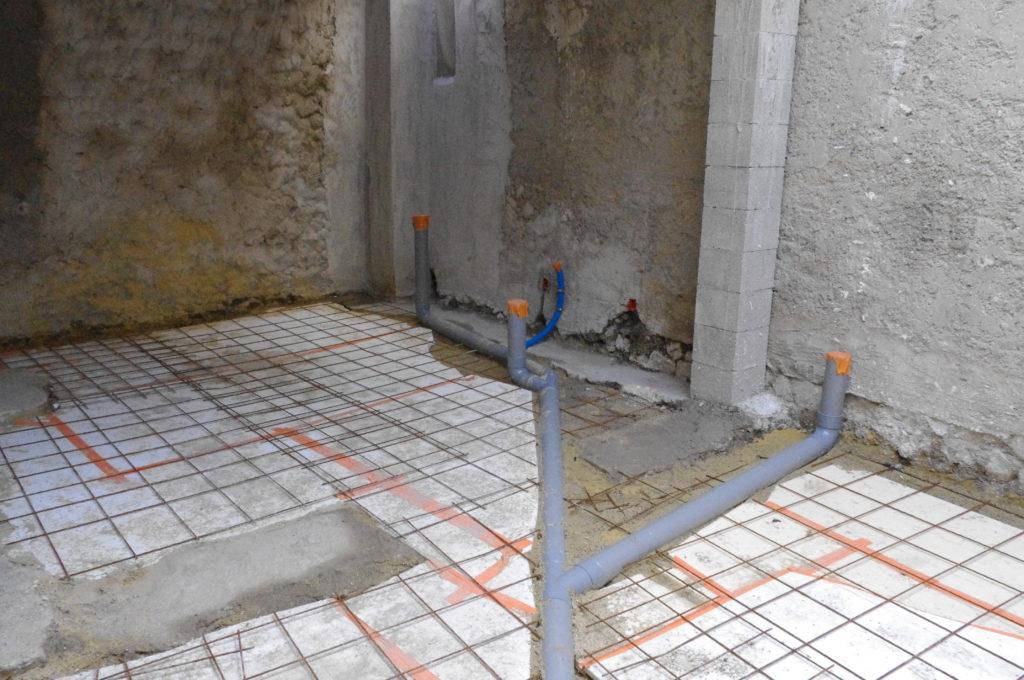 Vaucluse, chantier maison (2010-2012), canalisations. Habitant